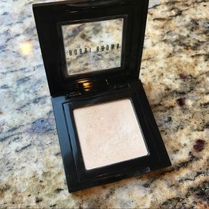Bobbi Brown Shimmer Wash Eyeshadow in Bone - 16